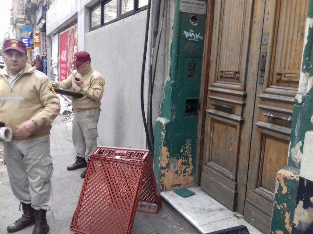 Personal de la GUM acudió al lugar donde se electrocutó un trabajador