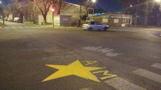 La estrella amarilla con las iniciales de Andrés Muñoz
