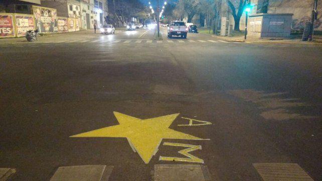 Familiares de la víctima de la picada ilegal pintaron una estrella en 27 de Febrero y Necochea