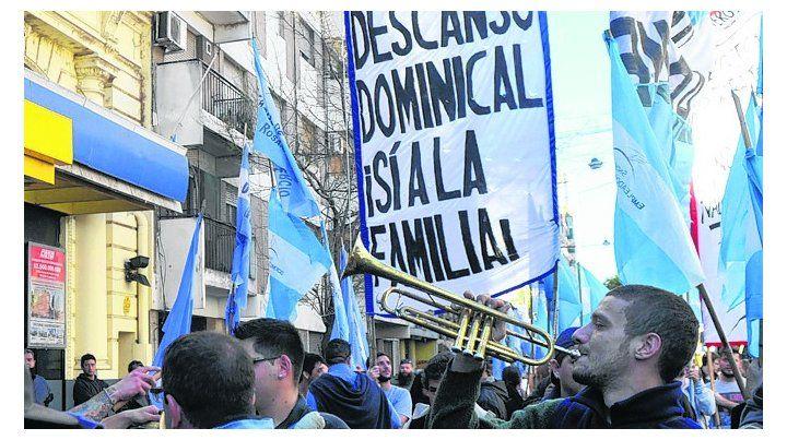 protesta. Una de las manifestaciones por el cierre de los domingos.