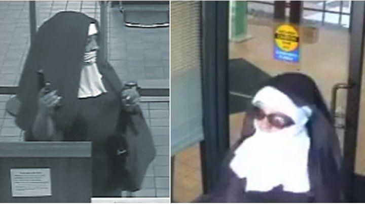 Las asaltantes registradas por las cámaras del banco.