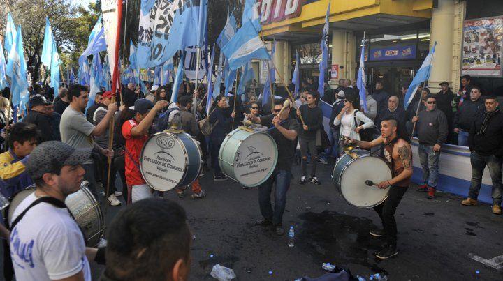 Una de las marchas en reclamo por el descanso dominical.