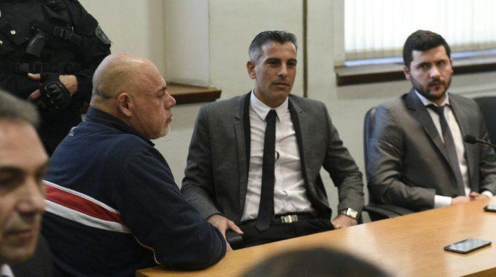Juan Carlos Schmitt escuchó impasible el veredicto del tribunal integrado porGustavo Pérez Urrechu
