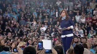 Acto en La Plata. Cristina dijo que en las últimas elecciones hubo manipulación no solamente en la información.