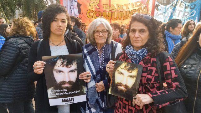 La marcha también contó con políticos rosarinos. (Foto: twitter@ConcejoRosFPV)
