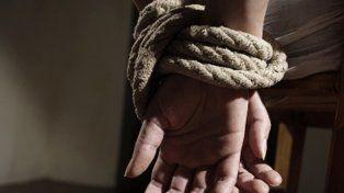 Denunció que fue secuestrada y esclavizada sexualmente por un expreso en Valle Hermoso