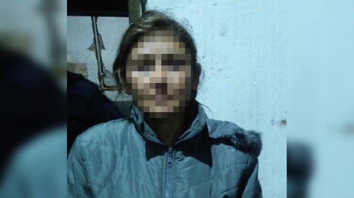 La mujer retenida por vecinos que terminó detenida.