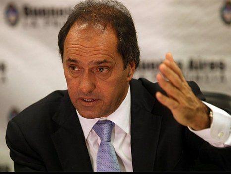 Scioli va a tener que dar explicaciones en la Justicia por la contrataciones que hizo cuando fue gobernador.