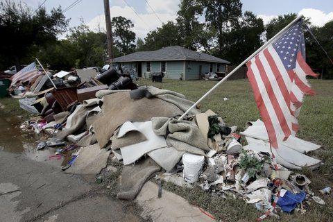 restos. Uno de los barrios castigados de la ciudad de Houston.