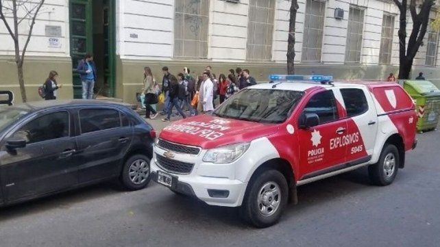 El colegio Politécnico es otro de los que sufrió las amenazas constantes. (Foto de archivo)