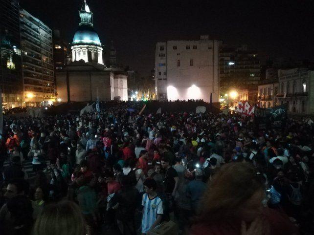 Encuentro. El cierre de la movilización fue en el Monumento a la Bandera.