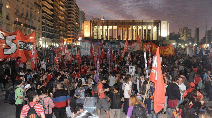 El Monumento. Los rosarinos se manifestaron masivamente por Santiago Maldonado.
