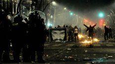 Tras el acto en Plaza de Mayo, un grupo de encapuchados generó una verdadera batahola.