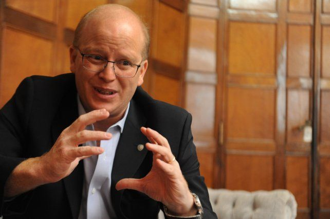 El diputado socialista Luis Contigiani disparó munición gruesa contra el ministro de Finanazas