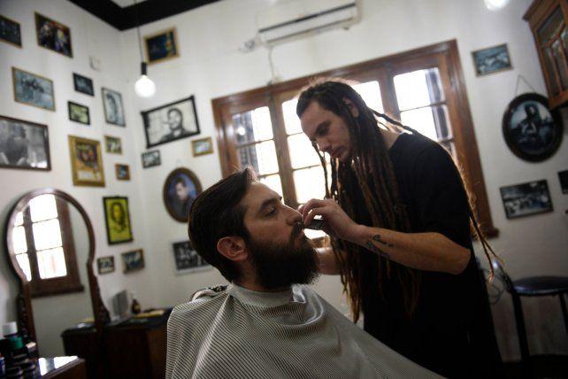 Tradicional. La barbería de Sarmiento 2410 no deja ningún detalle librado al azar.