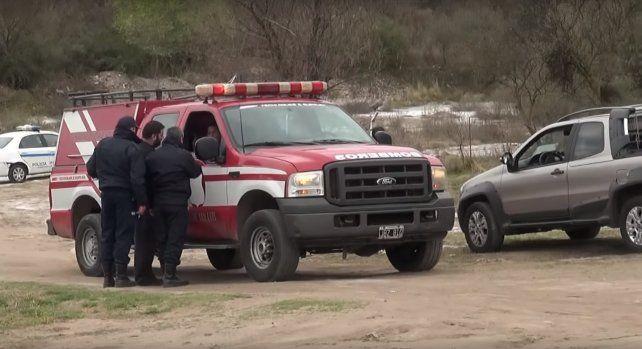 Imagen de una camioneta de los bomberos que trabajaron en el lugar de los hechos.