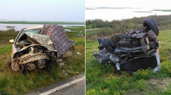 Los vehículos. Dos personas fallecieron en el choque frontal ocurrido esta madrugada.