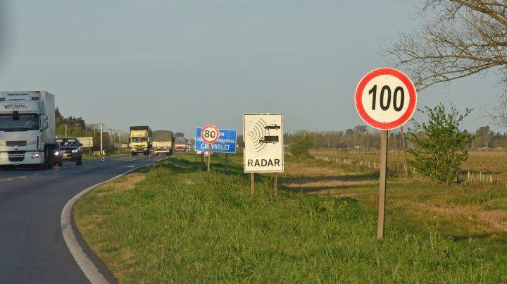 Abundante señalización. En la zona se pueden apreciar los carteles sin obstáculos que impidan verlos.
