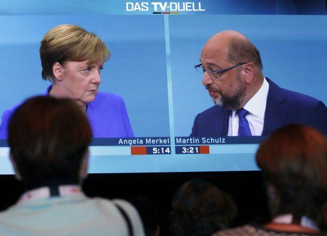 Match. El debate público fue seguido con atención por los alemanes.
