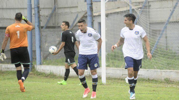 Desahogo. Aguirre marcó el 1 a 0 para Tiro