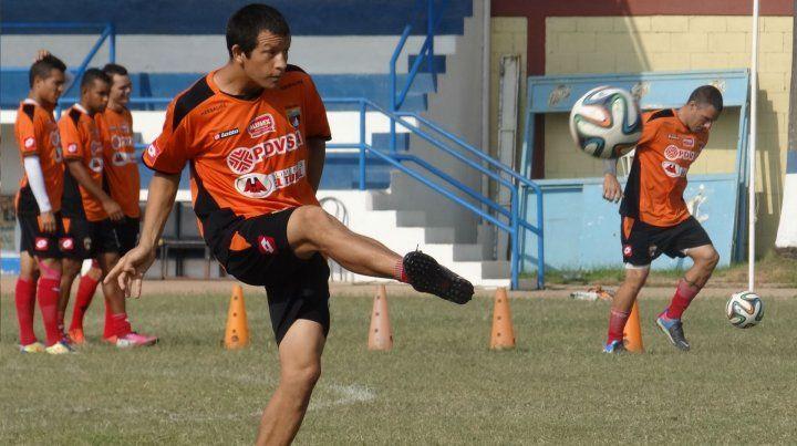 El defensor surgido en Central juega para la selección venezolana.
