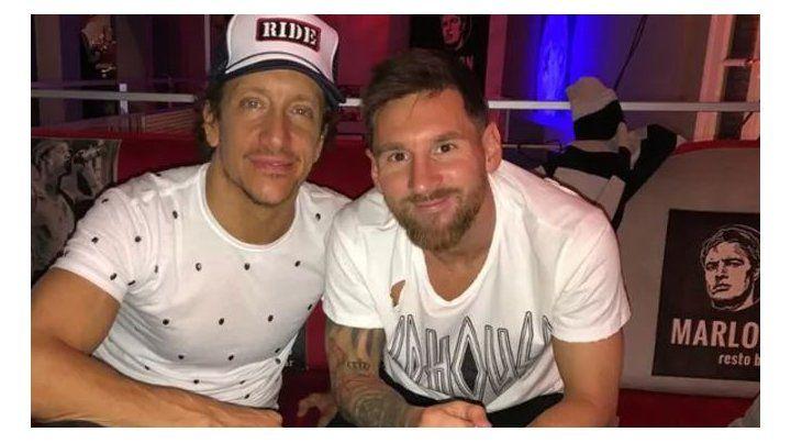 Lionel Messi aprovechó para visitar a amigos y pasear por la noche porteña