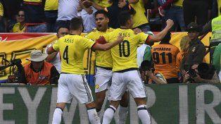 Festejo cafetero. Los locales celebran el gol de Radamel Falcao.