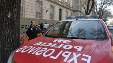oneroso. Cada falsa amenaza de bomba implica el traslado de móviles, al menos una docena de policías y agentes de Tránsito y de la GUM.