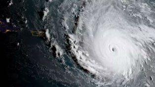 El huracán Irma llega a las islas del Caribe y anticipan un fenómeno potencialmente catastrófico
