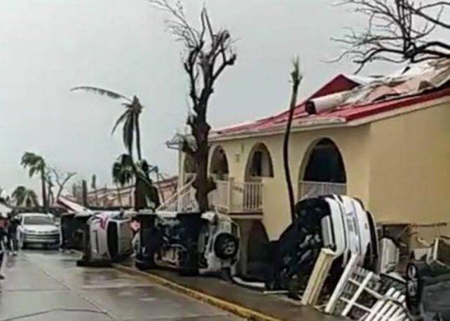 Barbuda quedó incomunicada después del devastador paso del huracán Irma por el Caribe