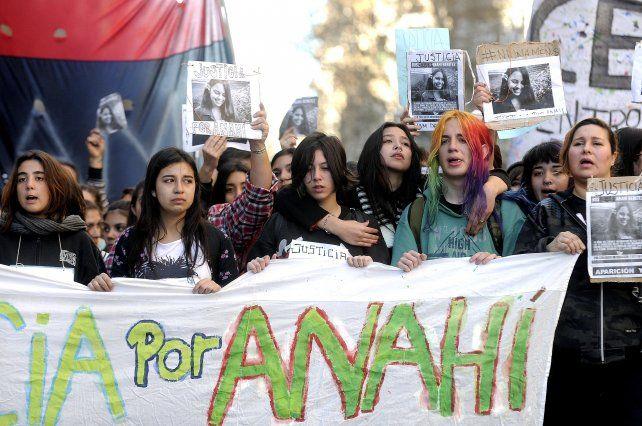 Anahí Benítez fue enterrada con una pala de uno de los imputados
