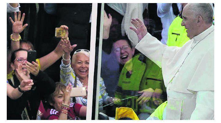 devoción. El Papa fue saludado por una multitud en Bogotá.