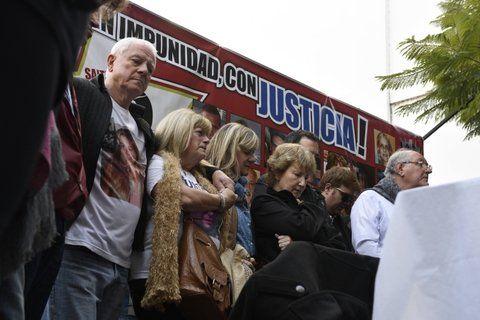 Los familiares de las víctimas siguen reclamando justicia.