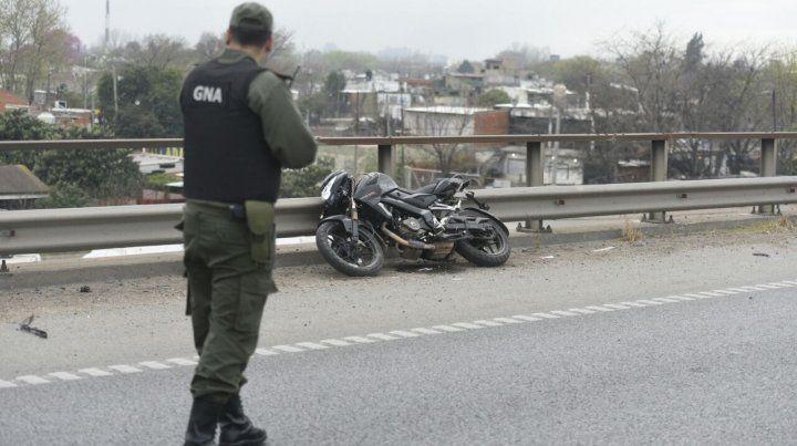 La moto en la que iba la víctima fatal.