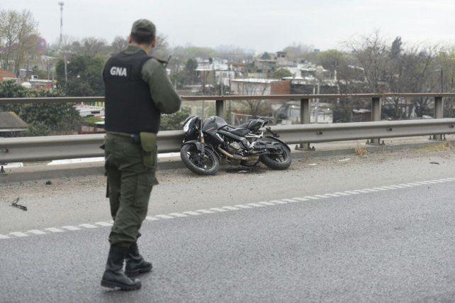 La moto que era conducida por Farías quedó a 200 metros del cuerpo y no había signos de arrastre.