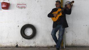 Edgardo Ferrucci presenta Propósitos, su espectáculo de canciones y poemas