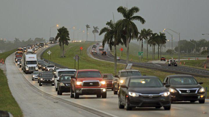 Desalojan los hoteles y evacúan viviendas en Miami por la llegada del huracán Irma