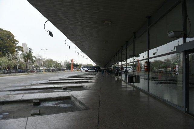 Esta mañana en la Terminal Mariano Moreno la actividad era escasa.