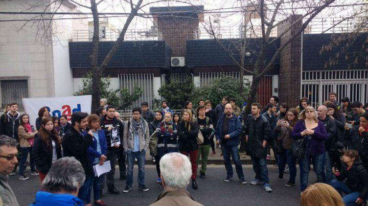 La comunidad educativa de la escuela Olga Cossettini repudió la actitud de Gendarmería