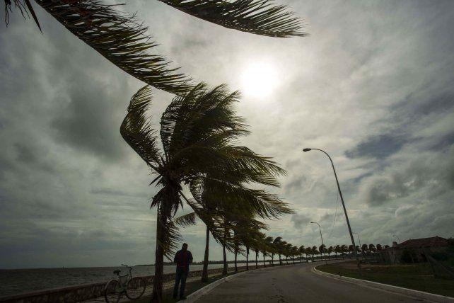 Los fuertes vientos de Irma comenzaban a soplar sobre las costas de La Habana.