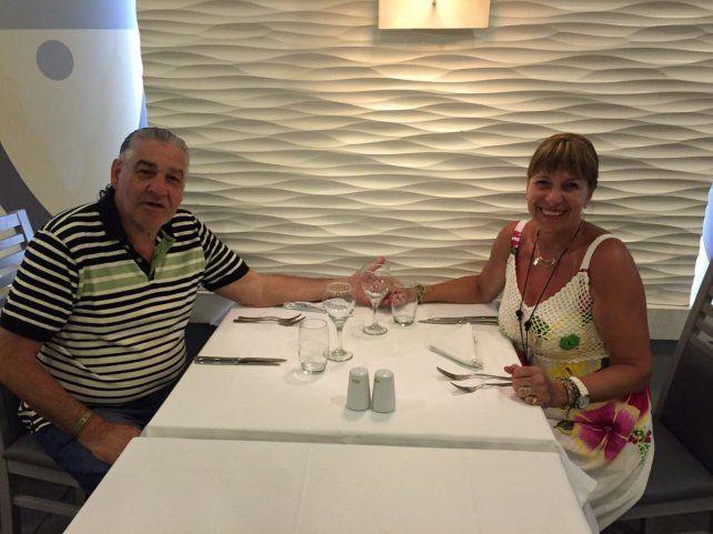 La pareja rosarina que buscaban en Saint Martin se pudo comunicar con su familia.