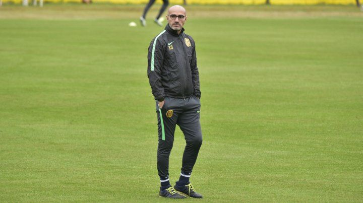 Técnico. Paolo Montero ponderó la entrega y el compromiso de los jugadores.