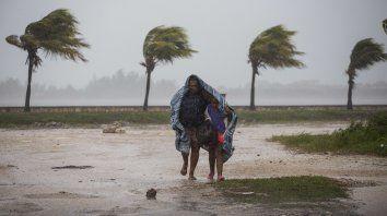 Irma llegó a Cuba con vientos de más de 200 kilómetros por hora