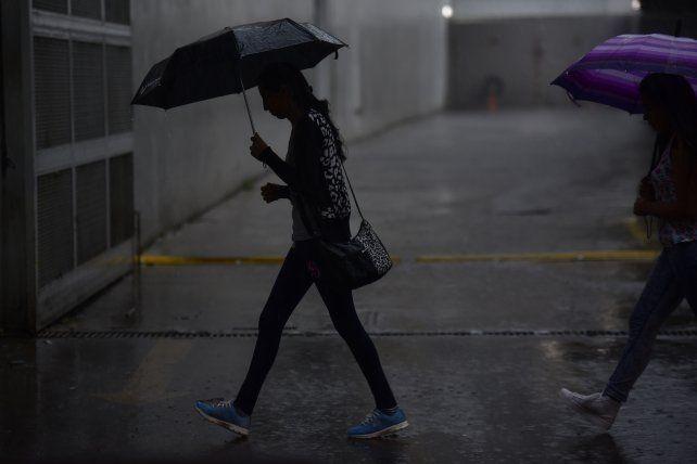 El sábado arrancó con lluvias intensas y hasta caída de granizo en algunos sectores.