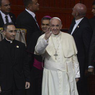 el diablo entra por el bolsillo, advirtio el papa francisco al clero en colombia