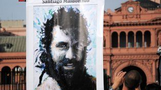 Cartel. La imagen de Maldonado se multiplica en las marchas que reclaman su aparición con vida.