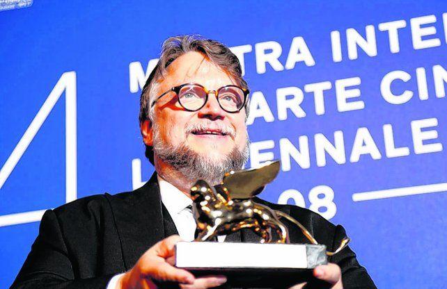 Definición. Guillermo del Toro dedicó el premio a los directores latinoamericanos. Todo se puede hacer