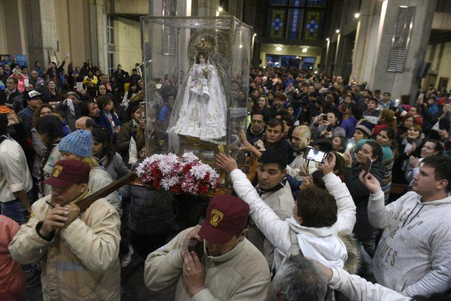 Llegada. El ingreso de la imagen a iglesia de San Nicolás
