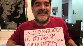maradona llego a instagram, subio 50 fotos  y en pocas horas sumo miles de seguidores
