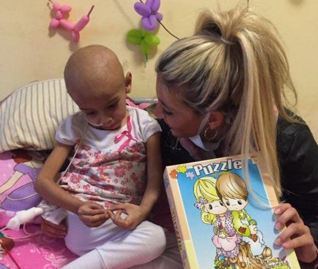 Otras fotos de Sol Pérez que esta vez llevó alegría a los chicos del Hospital de Niños